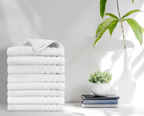 witte stapel handdoeken