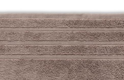 bruine handdoek met strepen erin verwerkt